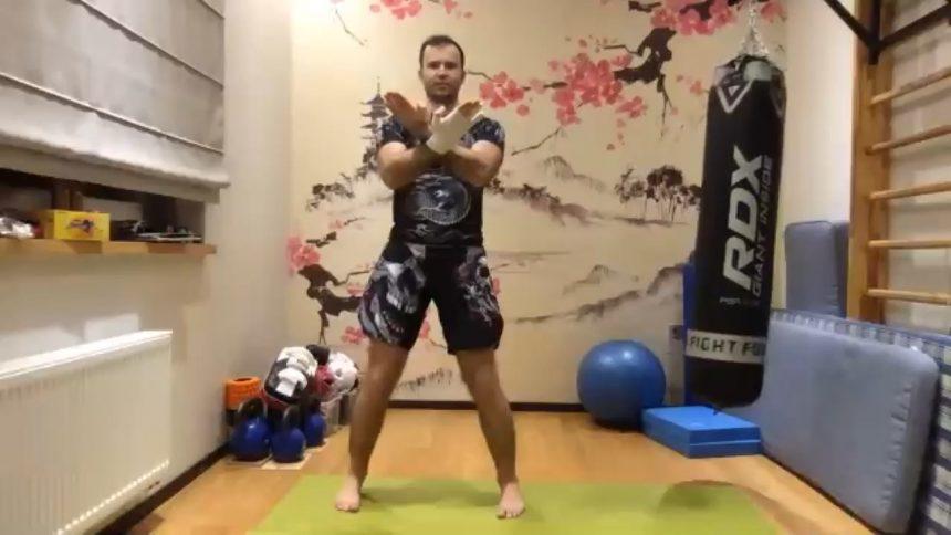 Sifu Modestas veda online treniruotę